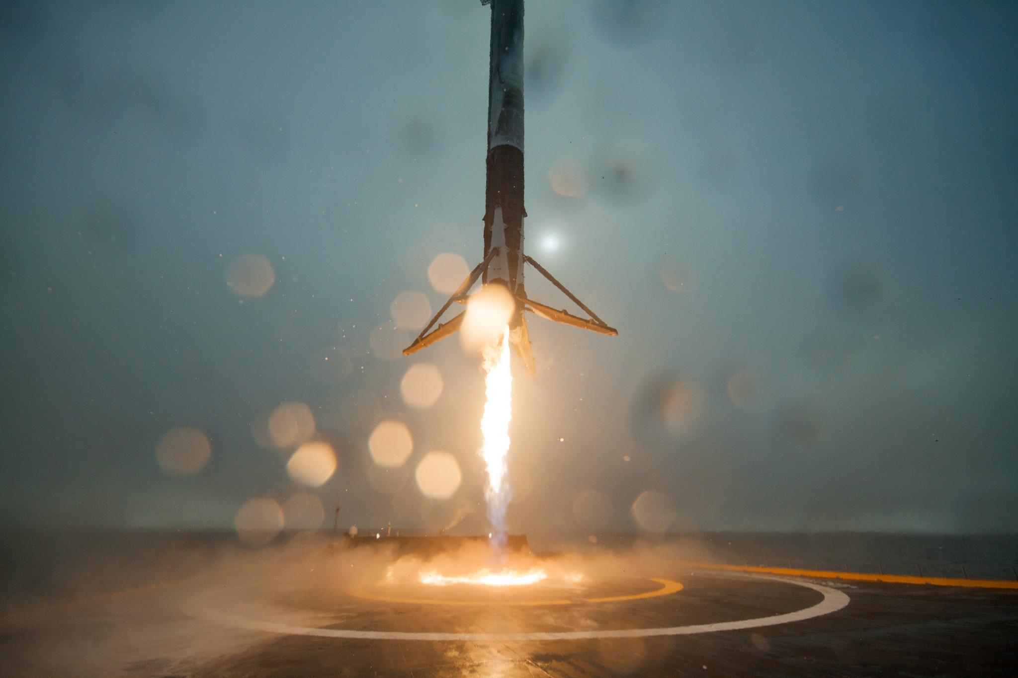Avec ses fusées réutilisables, SpaceX menace Arianespace