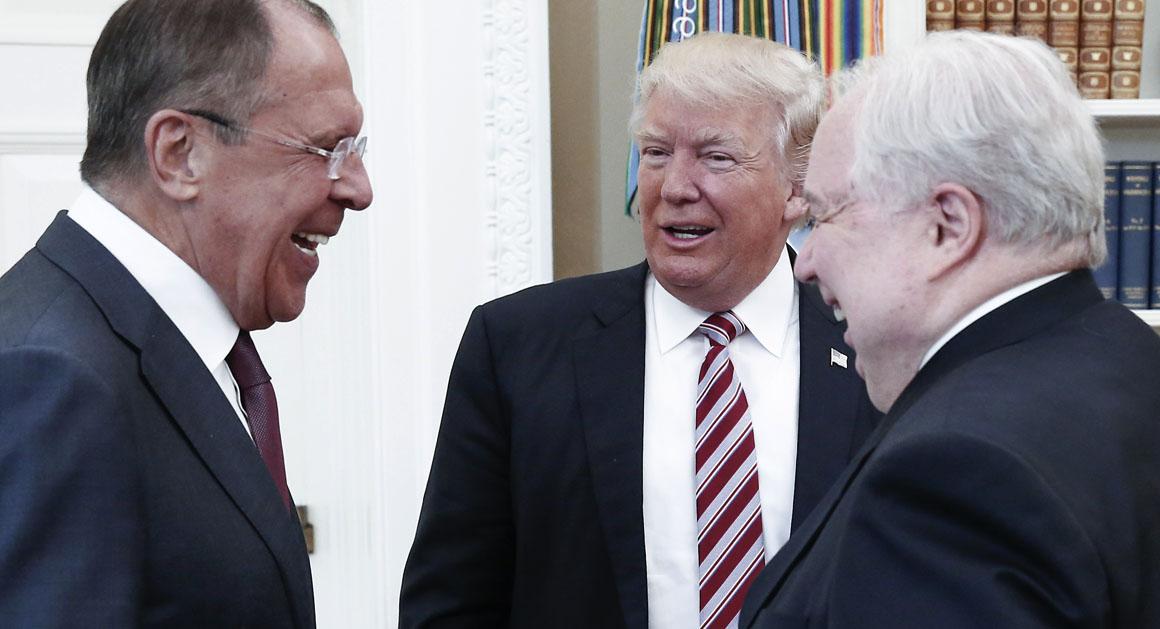Lien avec la Russie: Deux responsables ont refusé d'aider Trump