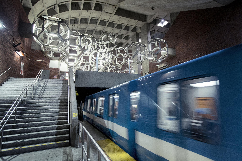 Un métro à moitié branché sur le réseau cellulaire